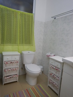 Green Bedroom bathroom